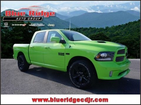 New 2017 RAM 1500 Sport 4x4 Crew Cab 5'7 Box